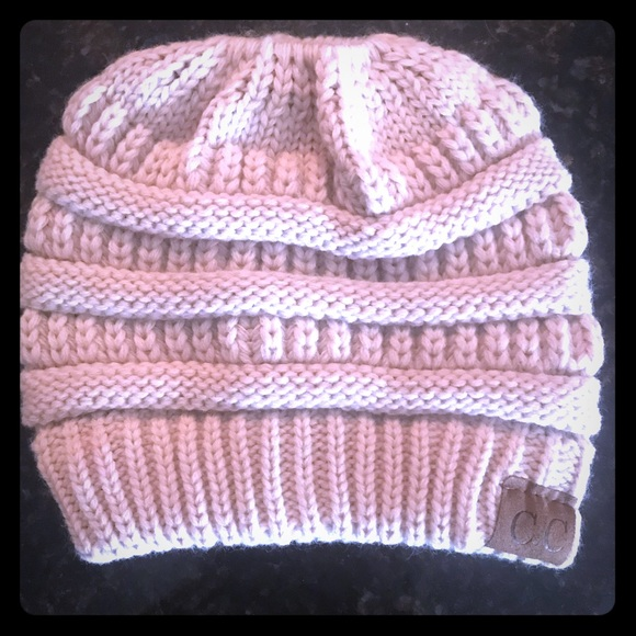 Accessories - CC Cable Knit Ponytail/Messy Bun Winter hat. NWOT